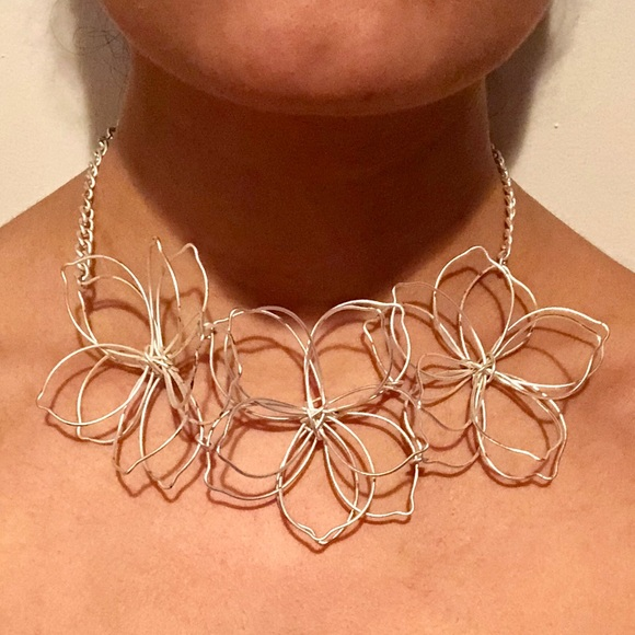 Francesca S Collections Jewelry Francescas Wire Flower Necklace